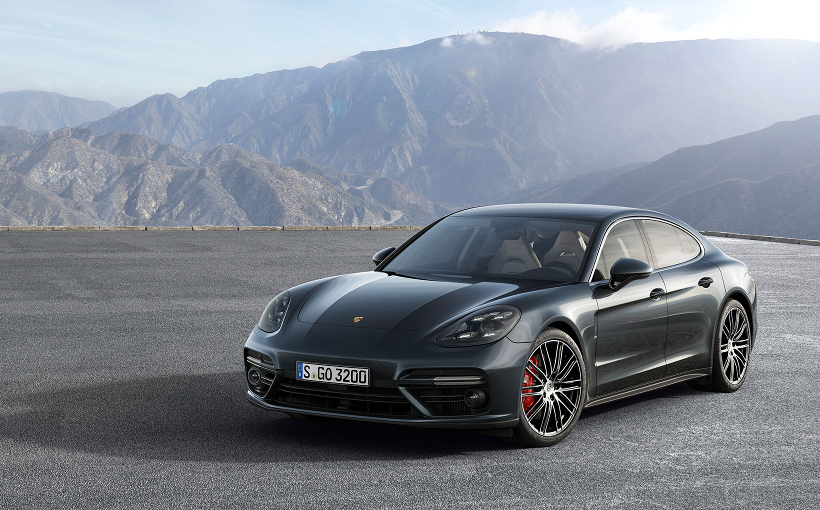 Can the Porsche Panamera 2 restore the faith?