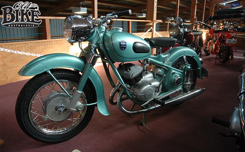 Old Bikes Australasia: Adler 250