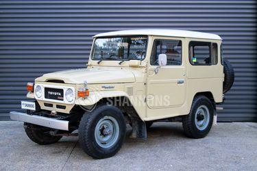 Toyota Land Cruiser BJ-42 (Diesel) (SWB)