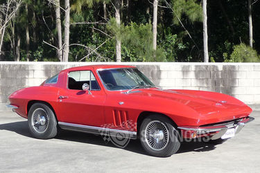 Corvette Stingray Body on Lot 11   Chevrolet Corvette Stingray Coupe  Rhd    Classic Vehicle
