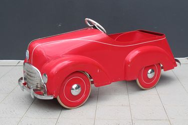 c1950s Cyclops Clipper Red Pedal Car