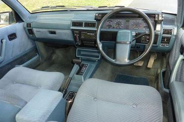 1986-holden-vl-calais-v8-sedan.jpg