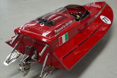 Lot D Model Boat - Ferrari F430 (90cm long) No reserve