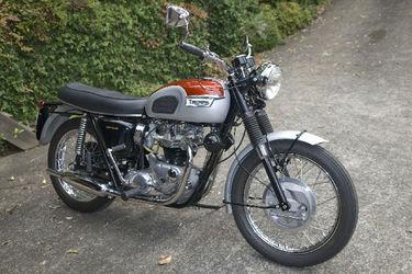 Triumph Bonneville 650cc Solo Motorcycle