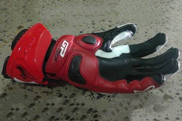 Taka Nakagami #30 Signed Glove - LH