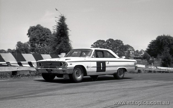 Lex Davison and the fearsome Holman-Moody 427 Ford Galaxie