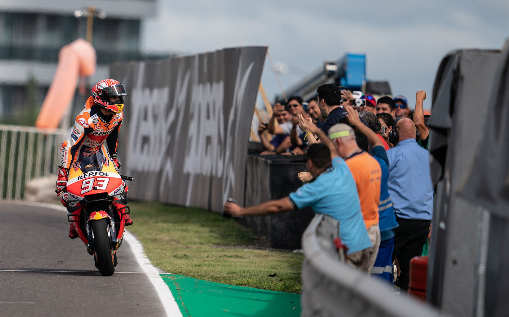 Marc Marquez World Class In Argentina, Rossi Second, Dovi Third & Vinales Loses Out!