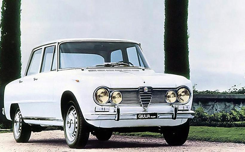 Alfa Romeo Giulia TI and Super: Italian jewels in an elegant box
