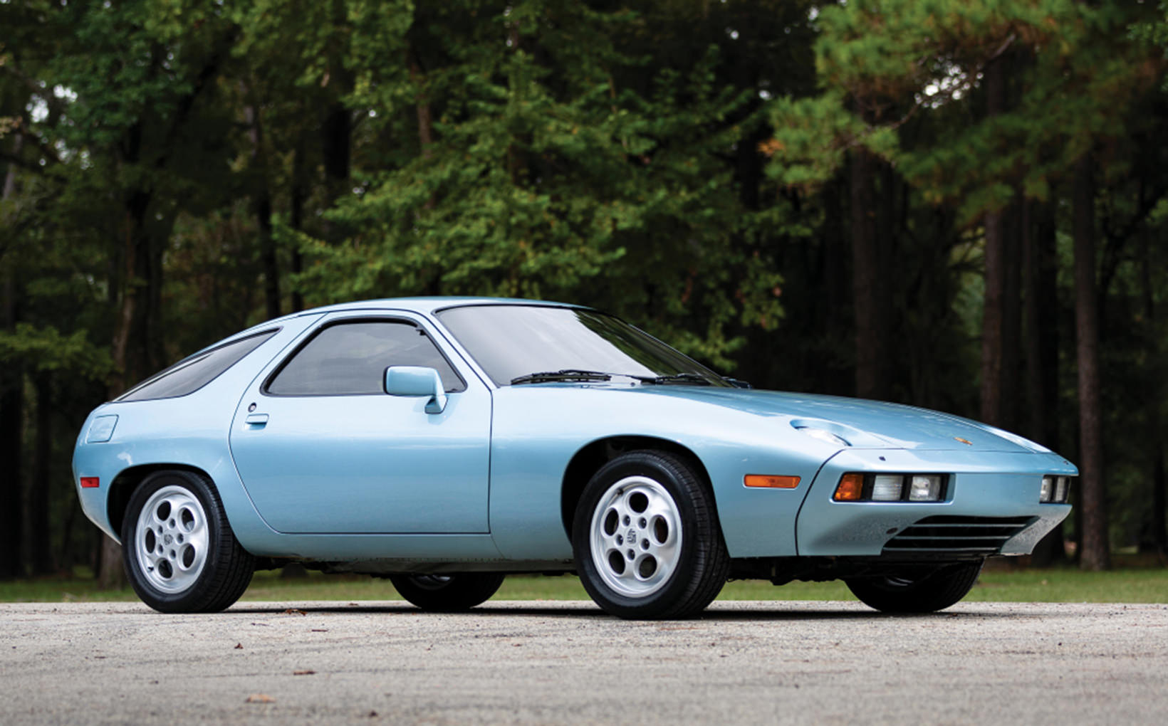 Porsche 928: sublime V8 grand tourer that perplexed the purists