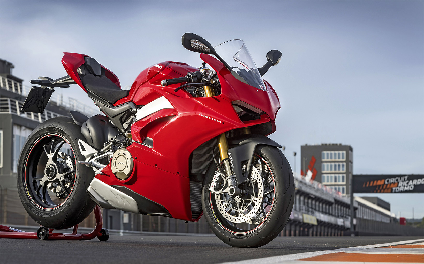 2018 Ducati Panigale V4 S: Dancing to a new beat