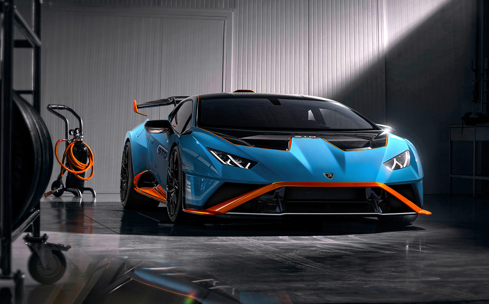 Just when you thought Lamborghini was mad enough, it ups the ante with the Huracan STO