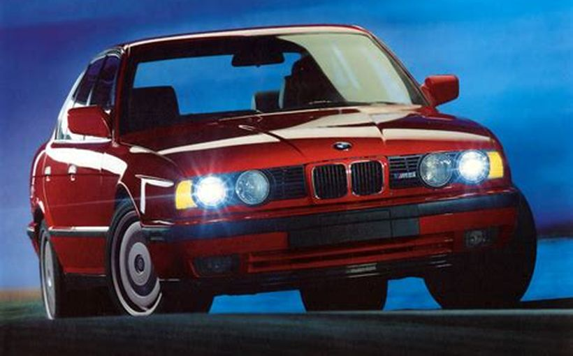 BMW M5: The Incognito 911-beating supercar