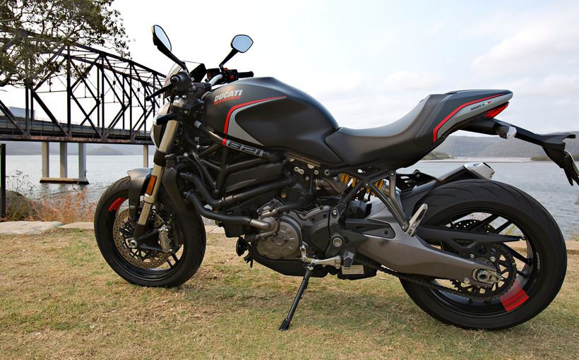 Ducati Monster 821 Stealth: Now You See It