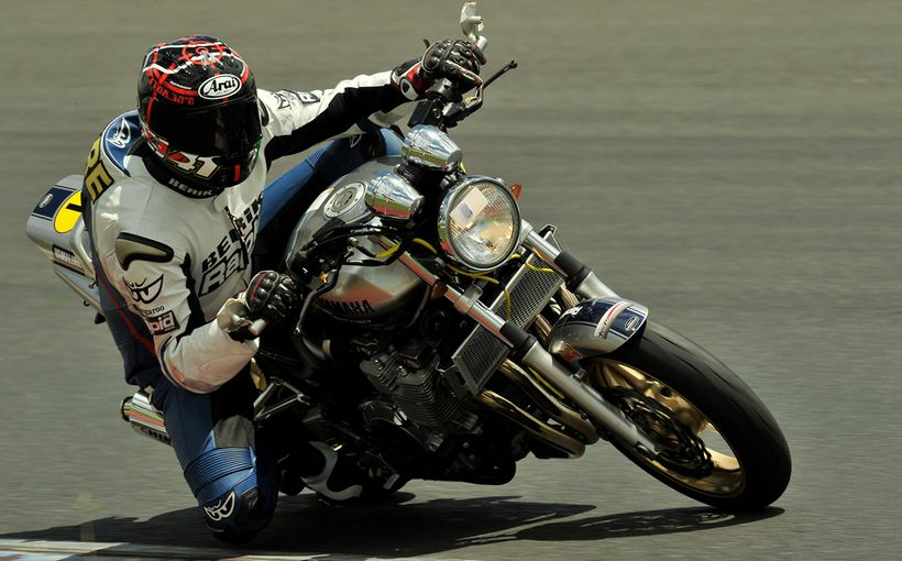 Yamaha XJR: Retro Muscle