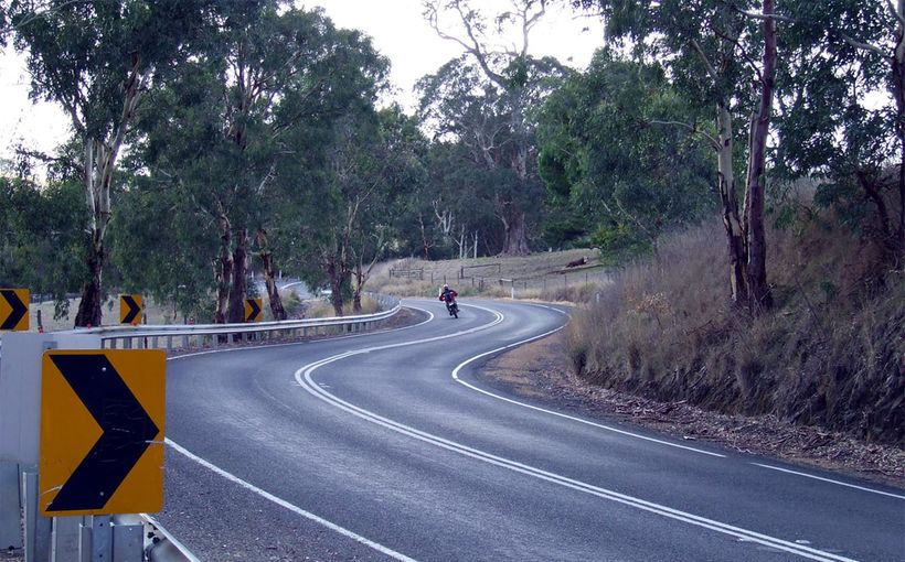 South Australia: The Gorge Road - Head for the Hills