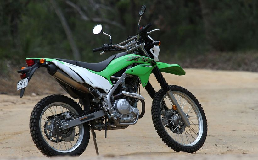 Kawasaki KLX230: Dual Purpose