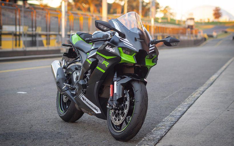 2021 Kawasaki Ninja  ZX-10R: Green Winner