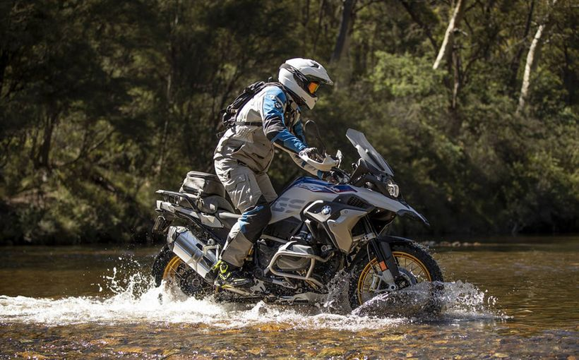 BMW R I250 R T & GS: Swift and Shift