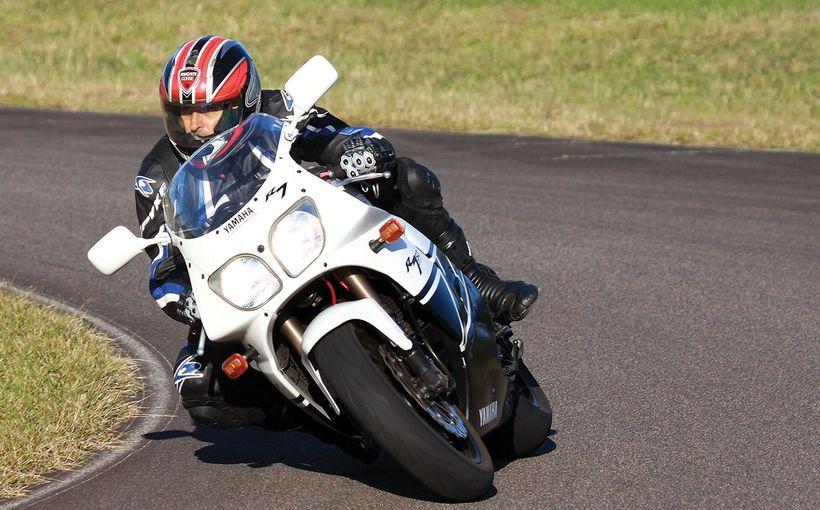 Yamaha YZF750R: Retro Road Test