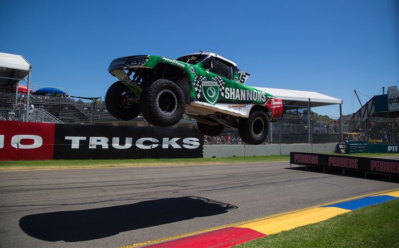 Dontas Claims Clipsal 500 Race Win on Super Trucks Debut