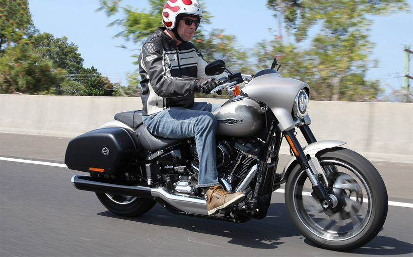 2018 Harley-Davidson Sport Glide: Glide on by