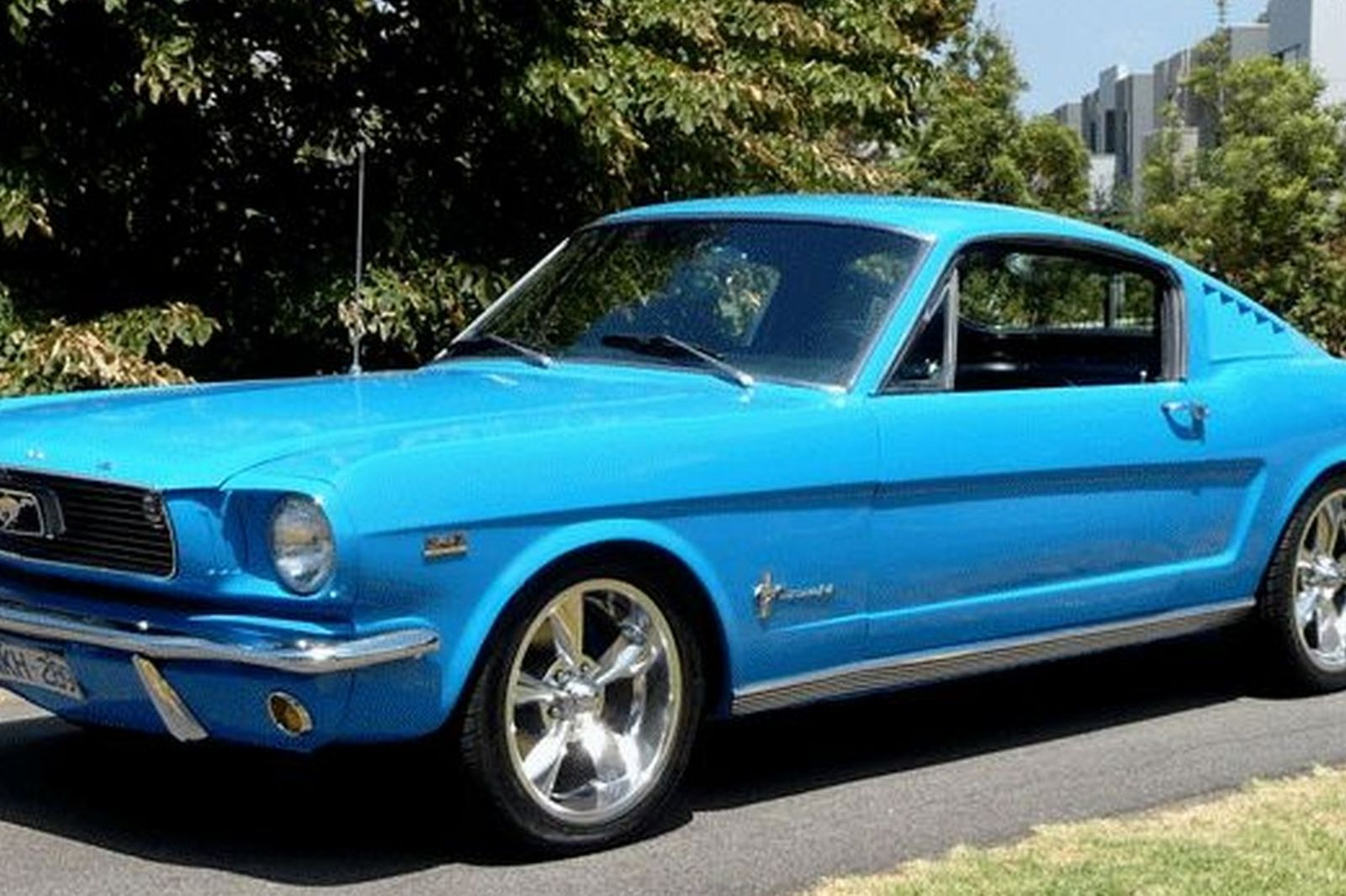 Ford mustang fastback lhd