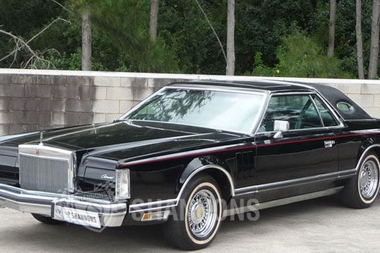 Lincoln Continental Mark V Coupe (LHD)