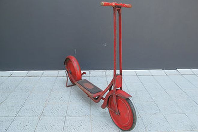 Scooter - c1950's Cyclops Scooter