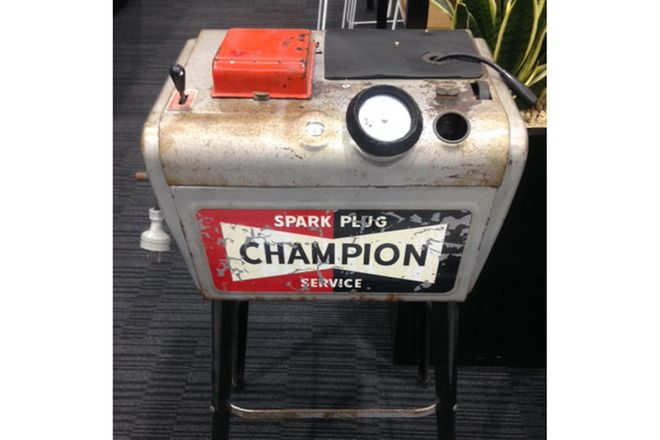 Champion spark plug cleaner - original condition and working