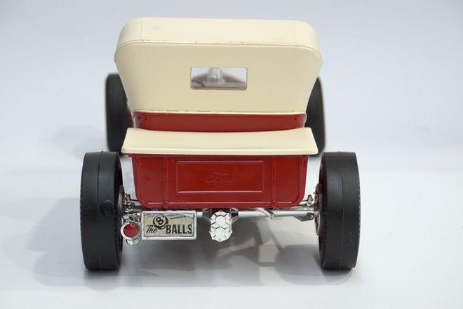 Ford T Bucket (Plastic Model Car)