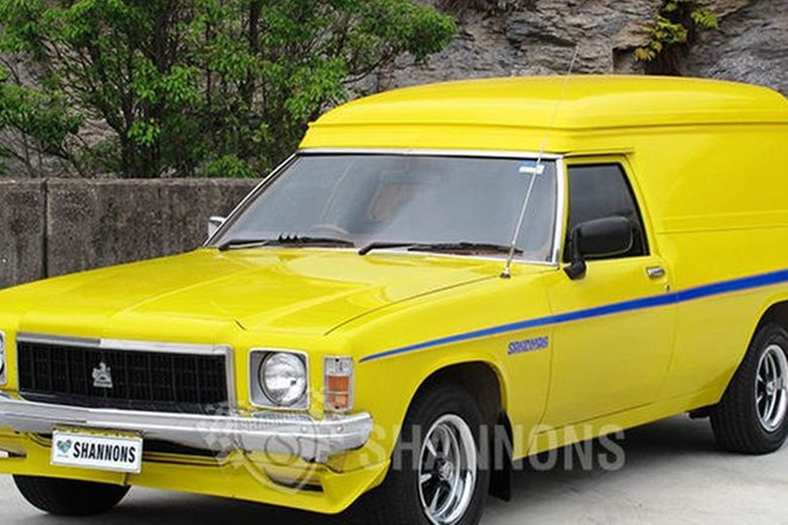 Holden HX Panel Van (Sandman look alike)
