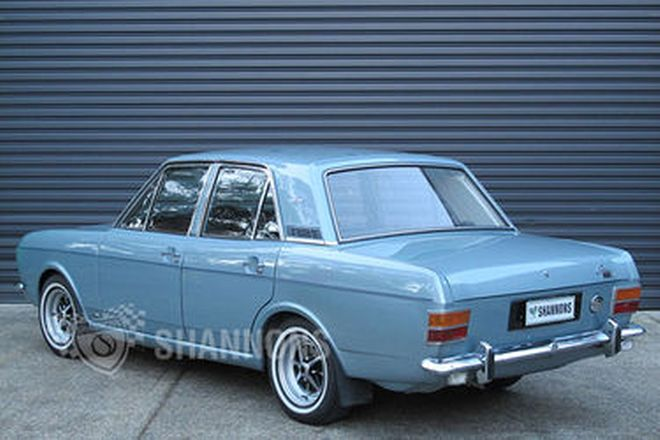 Ford Cortina MkII 1600E Saloon
