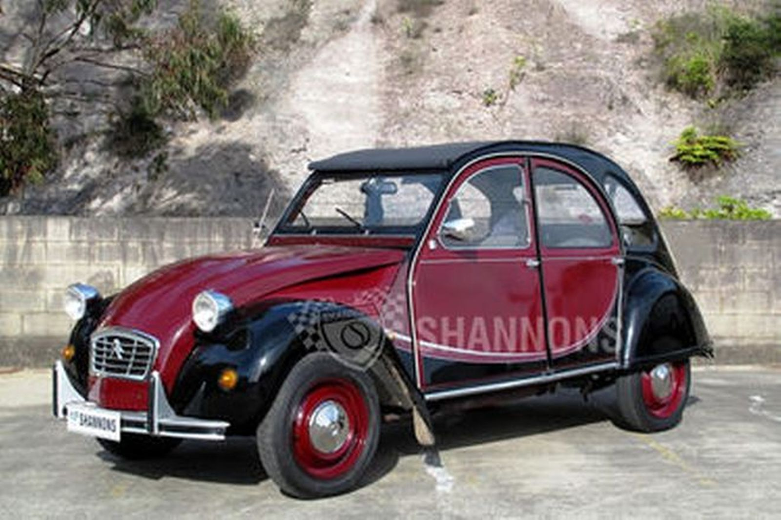 sold  citroen 2cv6 charleston sedan auctions - lot 6