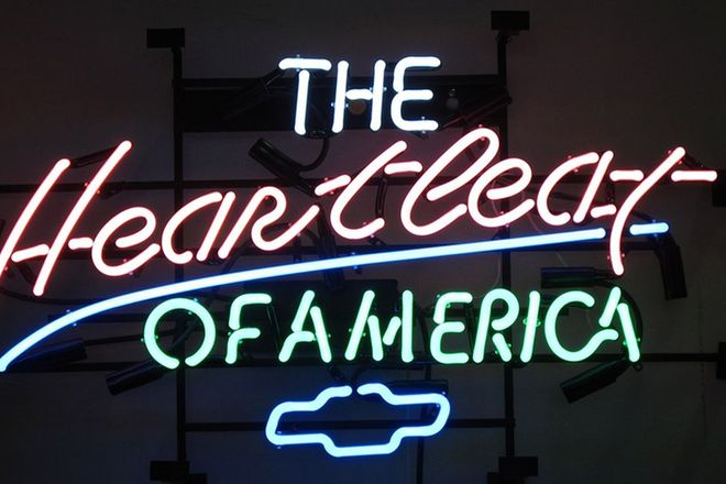 Neon Sign - 'Heart Beat of America' (80 x 45cm)