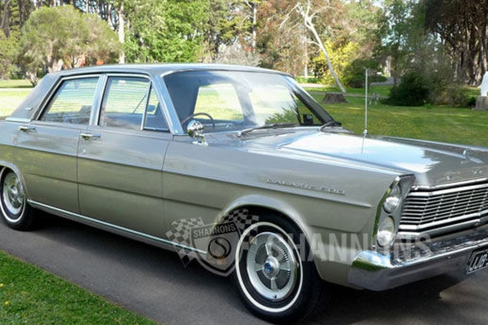 Ford galaxie 500 sedan rhd