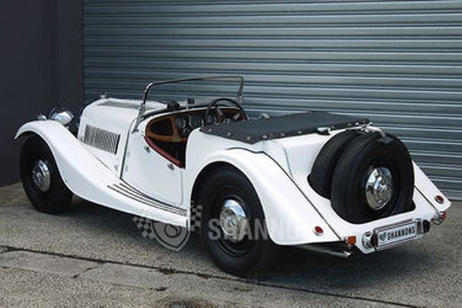 Morgan 4/4 'Flat Nose' Roadster