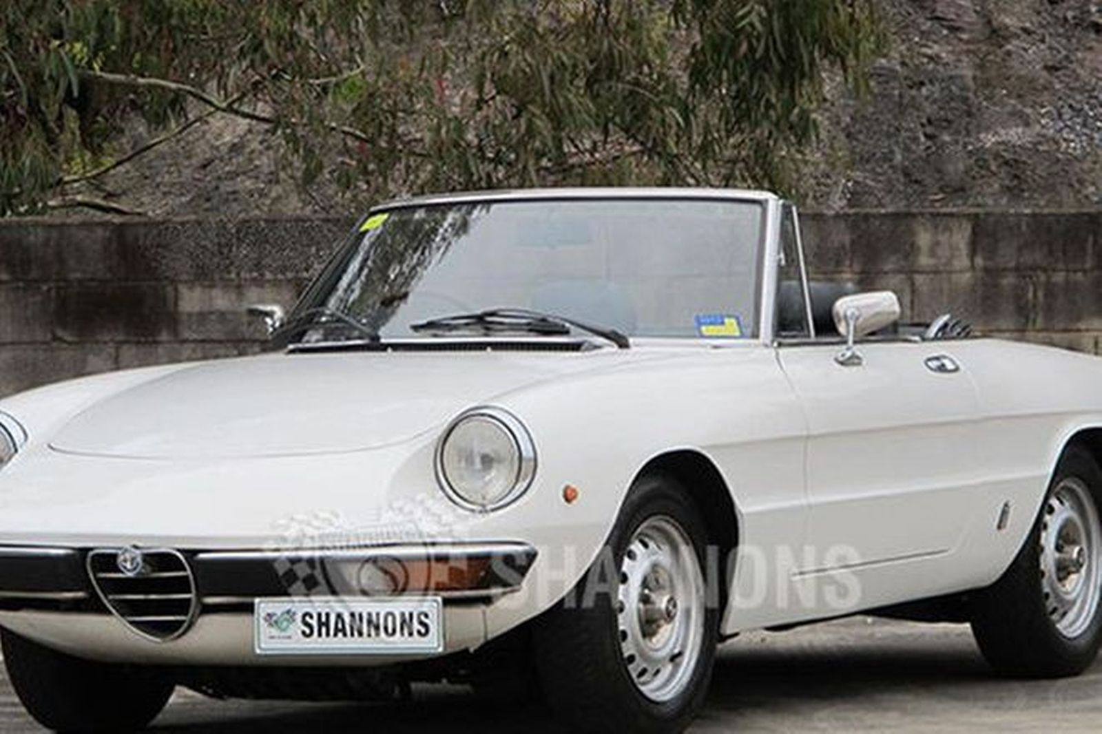 sold alfa romeo 2000 spider auctions lot 13 shannons. Black Bedroom Furniture Sets. Home Design Ideas