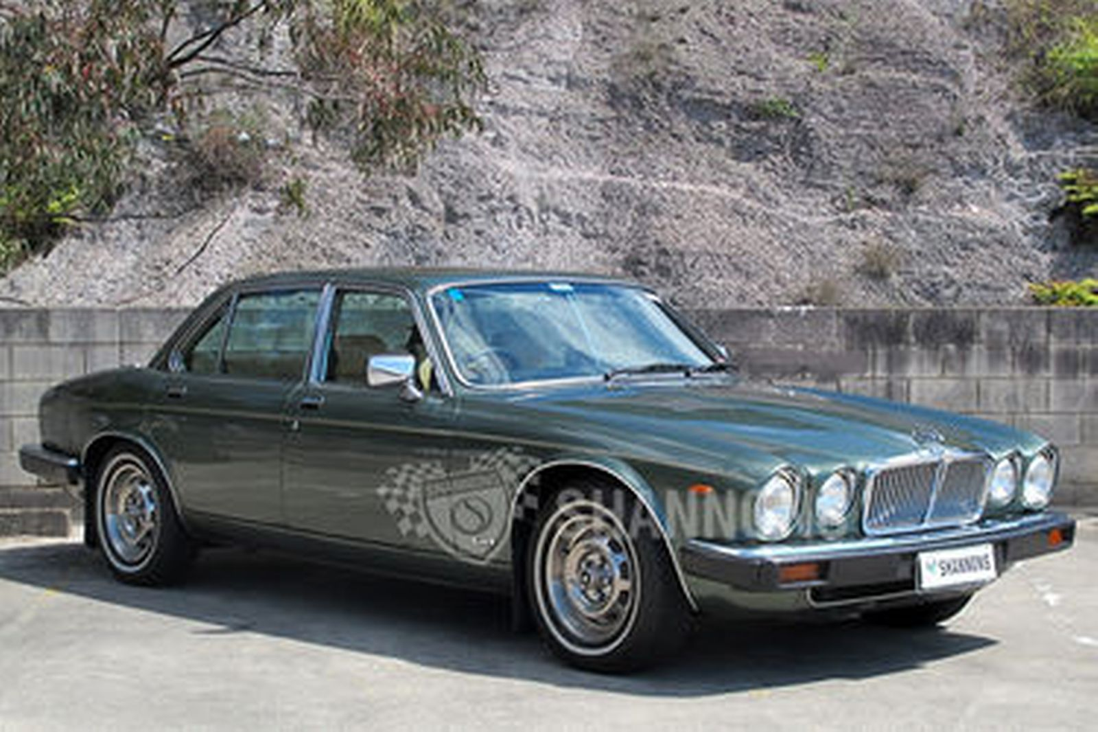 sold jaguar xj6 series iii saloon auctions lot 12 shannons. Black Bedroom Furniture Sets. Home Design Ideas
