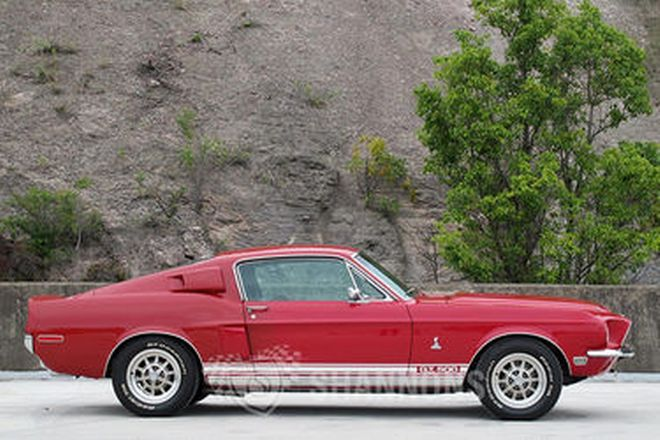 Ford Mustang 'Shelby GT500' Replica Fastback (LHD)