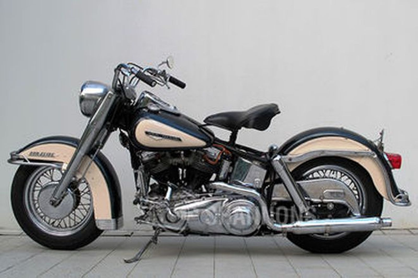 Harley Davidson: Harley-Davidson FL Duo Glide Motorcycle Auctions