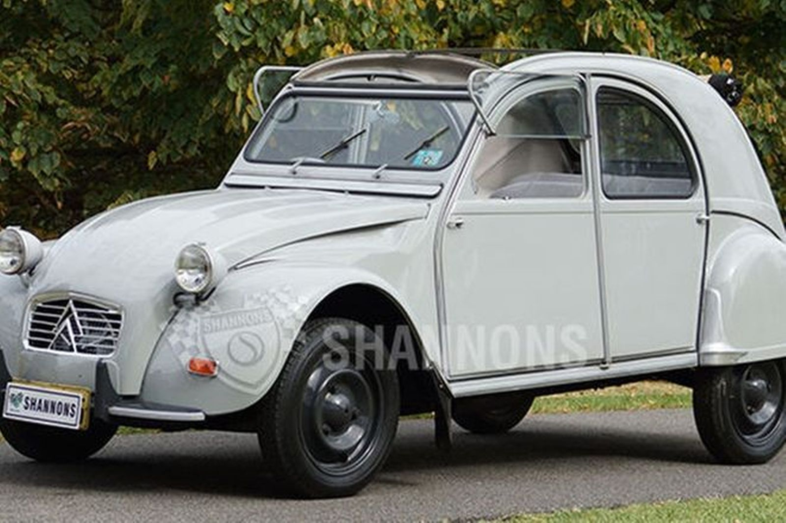 sold citroen 2cv sedan auctions lot 18 shannons. Black Bedroom Furniture Sets. Home Design Ideas