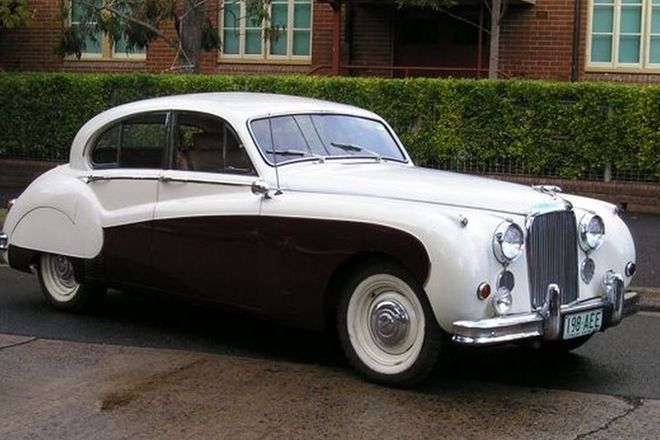 Jaguar Mark VIII Saloon