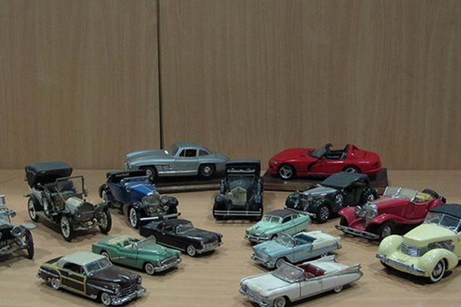 Model Cars - 7x Franklin Mint Models, 6 x American Classics Models 1/43 scale & 2 x Burago Models
