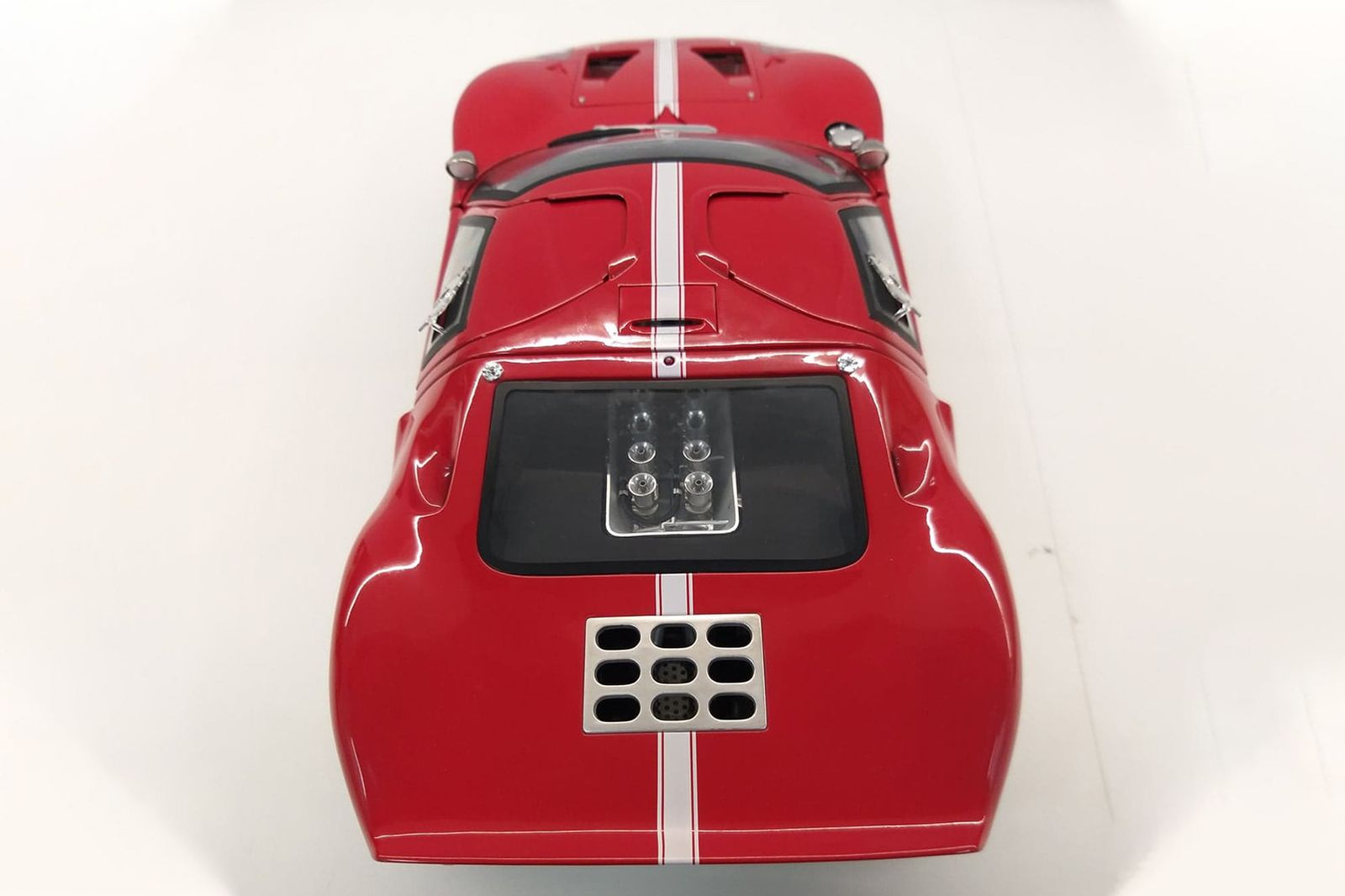 GMP Ford GT40 Road Version (1:12 Scale)
