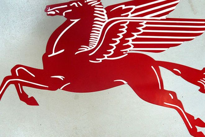 Tin Sign - Large Mobilgas Pegasus Reproduction (1.4m long)