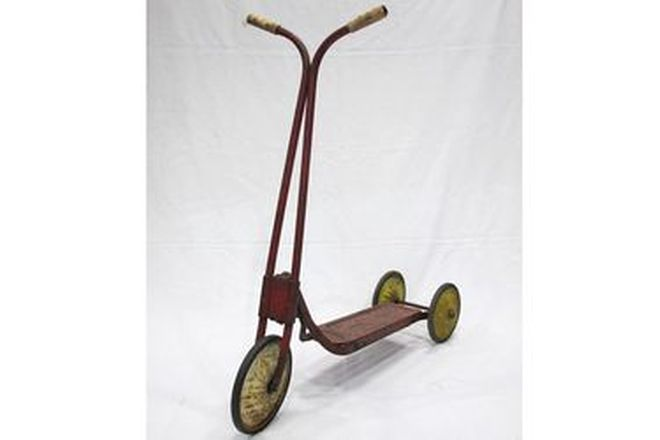 c1950s Cyclops Childs 3 - Wheel Scooter