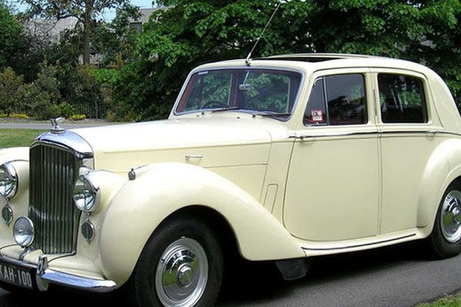 Bentley R-Type Saloon