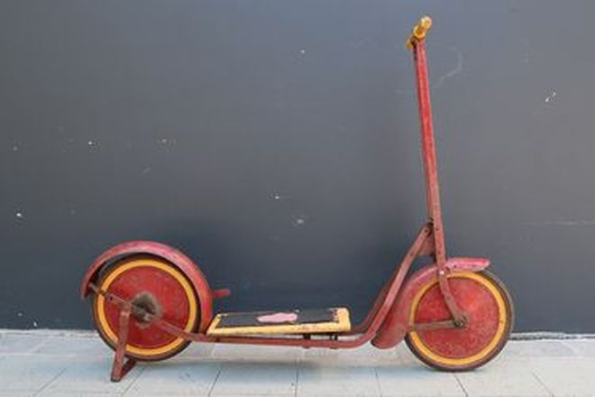 c1950s Scooter - Cyclops Scooter
