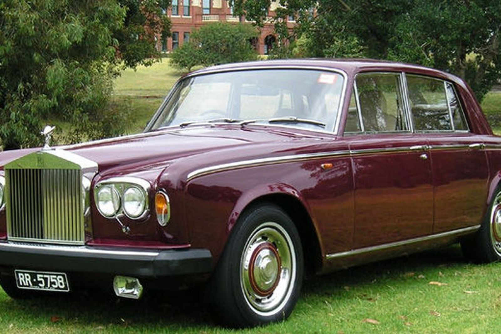 sold rolls royce silver shadow ii saloon auctions lot 23 shannons. Black Bedroom Furniture Sets. Home Design Ideas