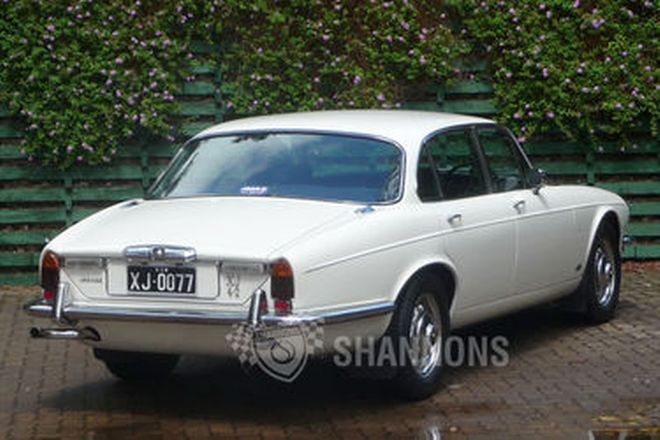 Jaguar XJ6 Series II Saloon
